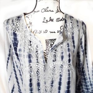 Soft Surroundings White & Blue Beaded Tunic Top